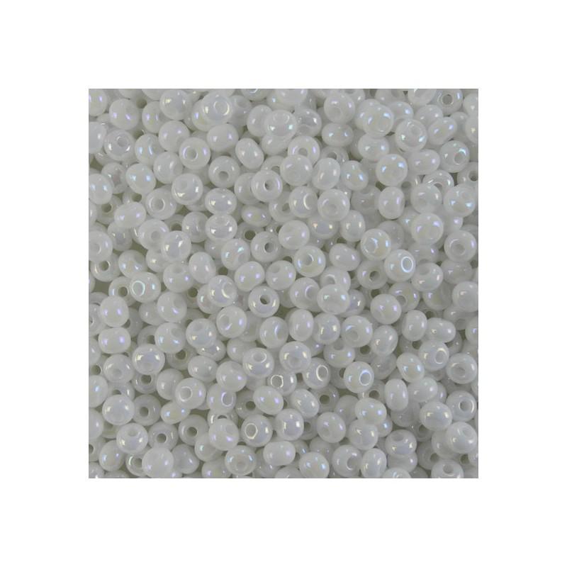 Preciosa pyöreä siemenhelmi 6/0, opaakki valkoinen AB