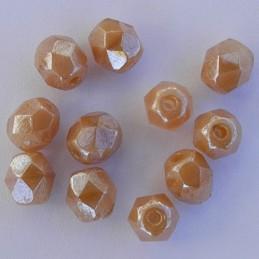 Tsekkiläinen fasettihiottu pyöreä lasihelmi 6mm, kiiltävä kirkas/beige