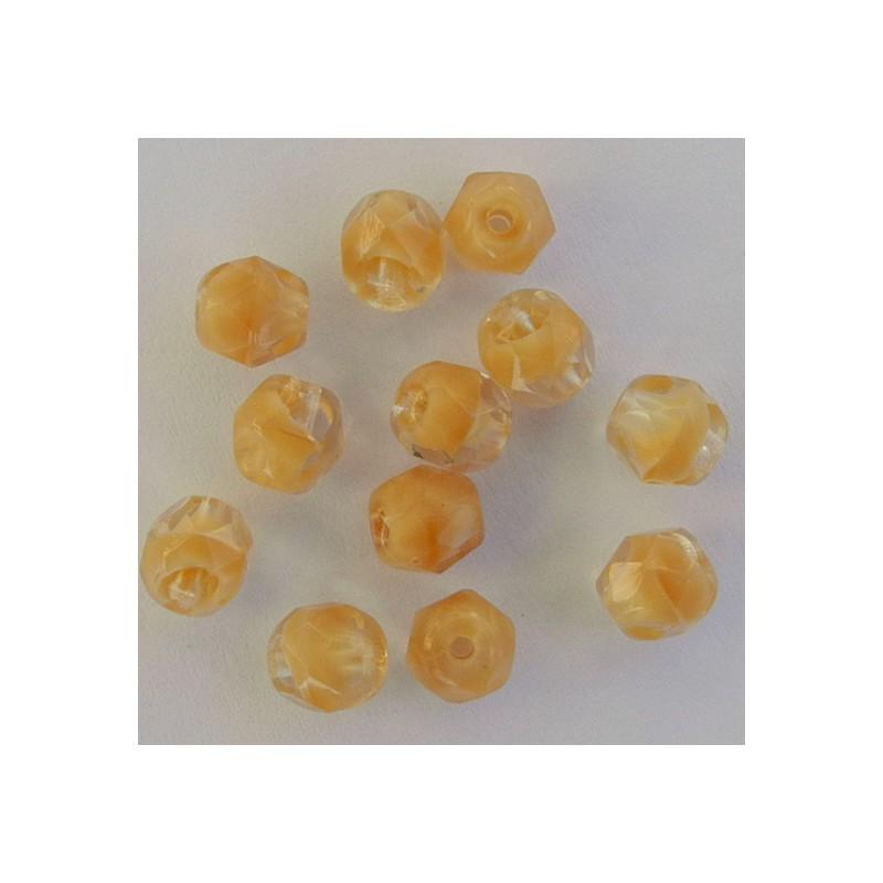 Tsekkiläinen fasettihiottu pyöreä lasihelmi 6mm, kirkas/läpikuultava vaalea topaasi