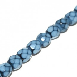 Tsekkiläinen pyöreä fasettihiottu Snake lasihelmi 4 mm, vaaleansininen