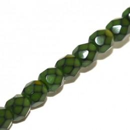 Tsekkiläinen pyöreä fasettihiottu Snake lasihelmi 4 mm, oliviini