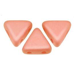 Khéops® par Puca® lasihelmi 6 x 6 mm, pastelli vaalea koralli