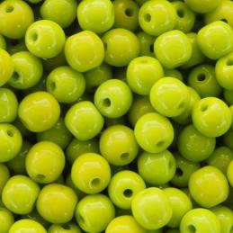 Tsekkiläinen pyöreä lasihelmi 4 mm, opaakki vihreä