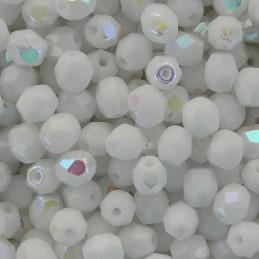 Tsekkiläinen fasettihiottu pyöreä lasihelmi 4 mm, opaakki valkoinen AB